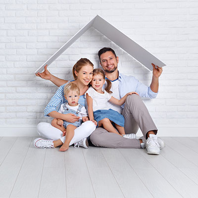 new homeowners in their new hosue